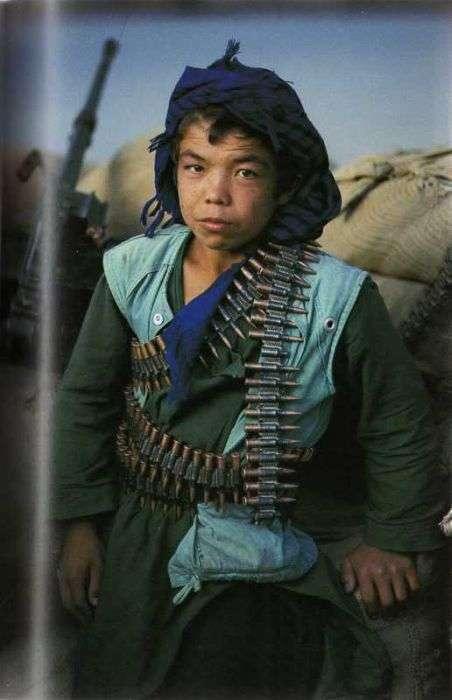 Люди Афганістану в 80-90 роки (28 фото)