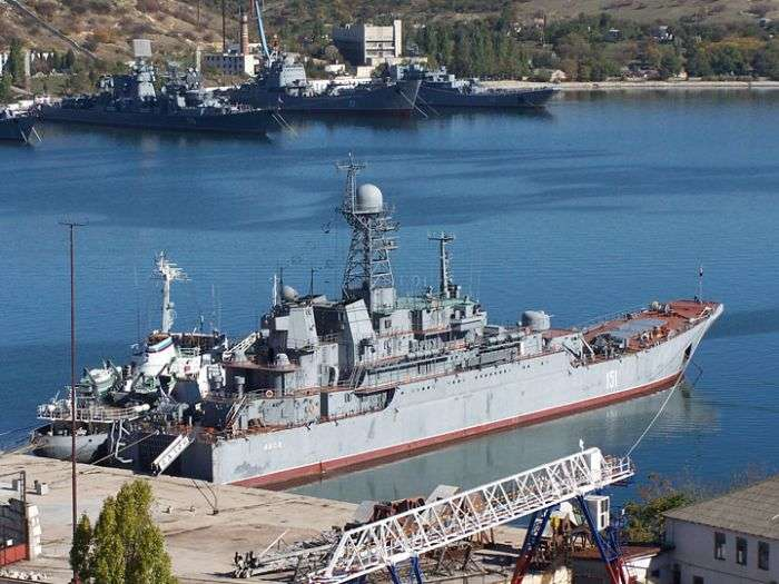Десантний корабель Азов вирушив зі спецзавданням в Сирію (15 фото)
