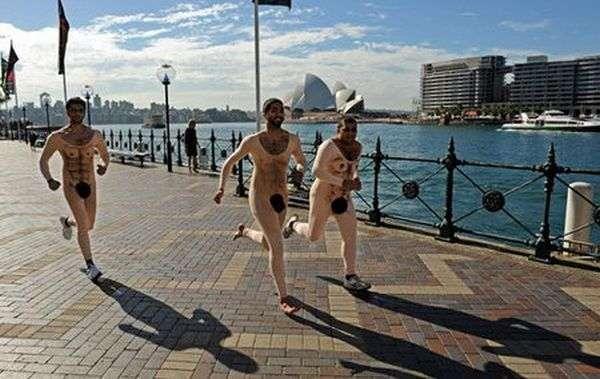 Відвертий костюм для бігу (6 фото)