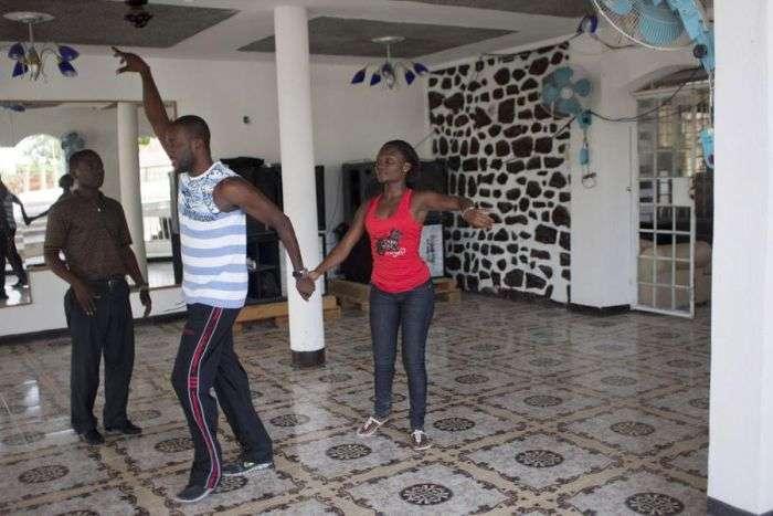 Професійний танцюрист, у якого немає ноги (11 фото)