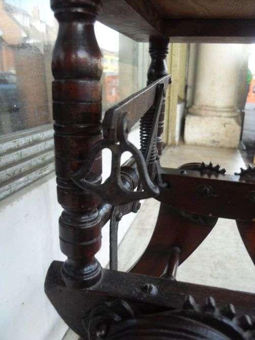 Вінтажний ретро-стільчик (6 фото)