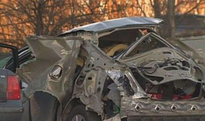 Honda Civic вибухнула через спроби відкрити багажник (10 фото)