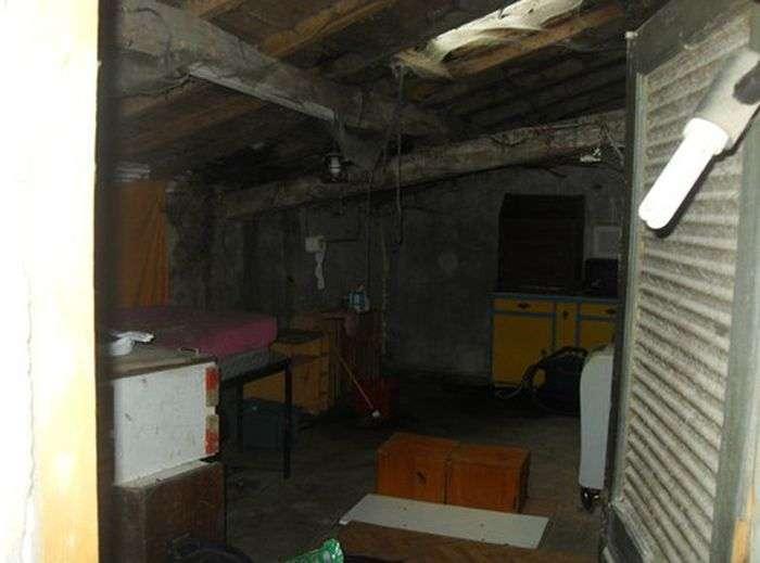 Моторошний будинок з привидами продається на аукціоні eBay за 1 євро (5 фото)