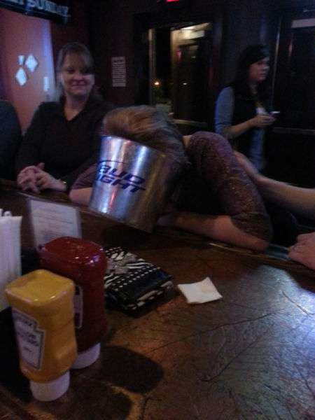 Люди, які не знають міри в алкоголі (55 фото)
