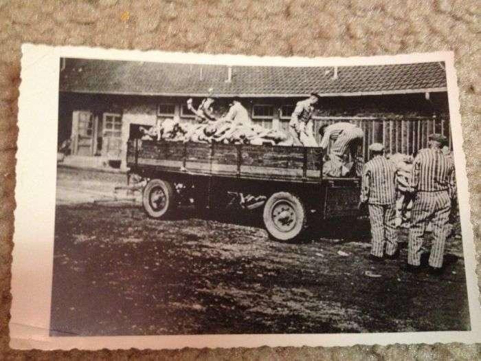 Страшні фотознімки концтабору Дахау (13 фото)