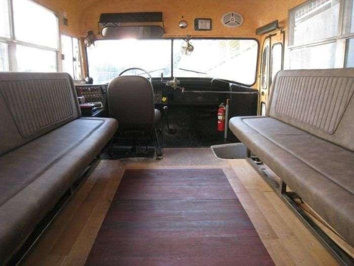 Креативний підхід до переобладнання старого автобуса (20 фото)