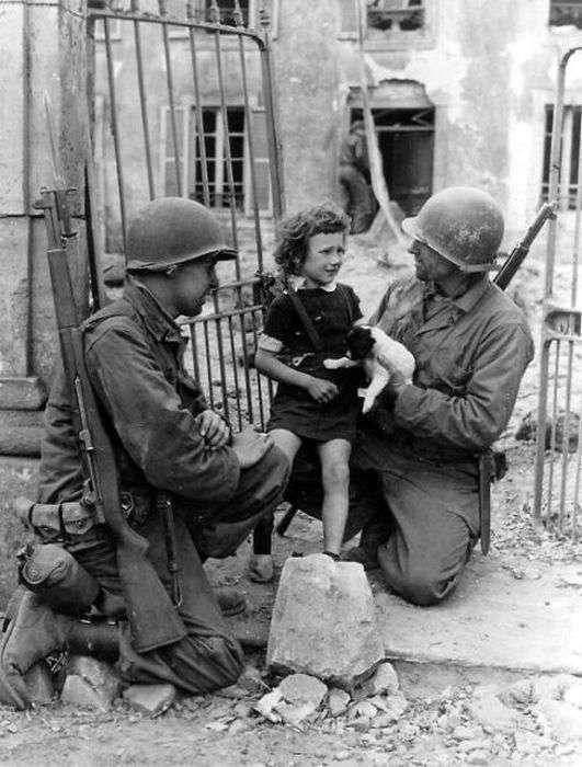 Солдати і чотириногі друзі (52 фото)