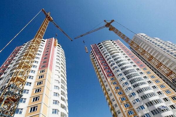Платошкин: Путин гордится темпами строительства и сравнивает с СССР. Но сравнивать нельзя. В СССР бесплатно квартиры получали новости,события