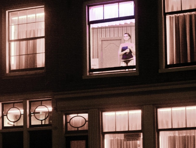 Мэр Амстердама собирается реформировать квартал Красных фонарей Всячина