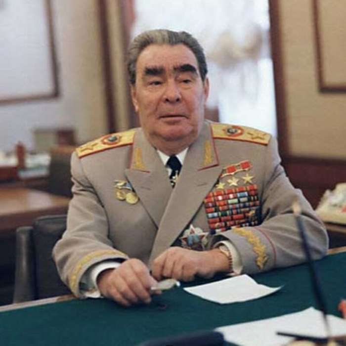 Как Брежнев Кадырову морду бил Интересное