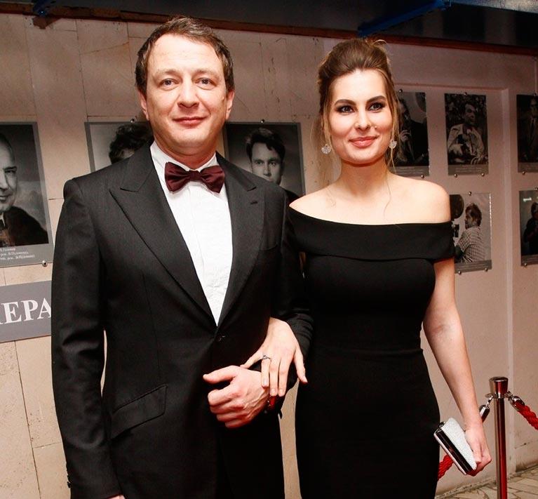 Жена Марата Башарова: Я со сломанным носом, какой счастливый Новый год!