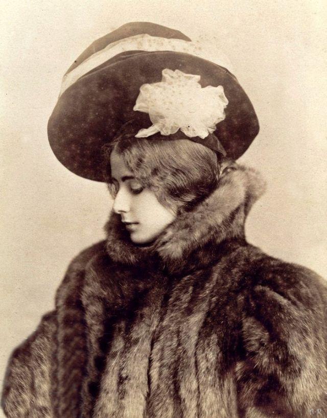 Как выглядела самая красивая женщина XIX века загадочность