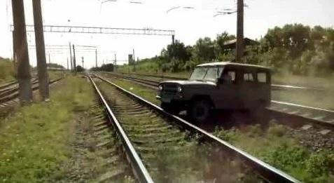 Как машинист должен реагировать при столкновении с машиной. Рассказывает машинист поезда автомобили