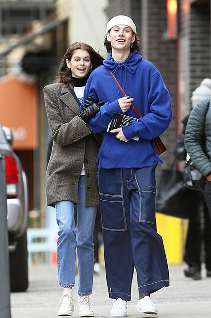 Кайя Гербер на свидании с новым бойфрендом в Нью-Йорке Звездные пары