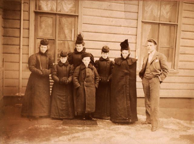 Семейные фото повседневной жизни Санкт-Петербурга конца 1800-х - начала 1900-х Дальние дали