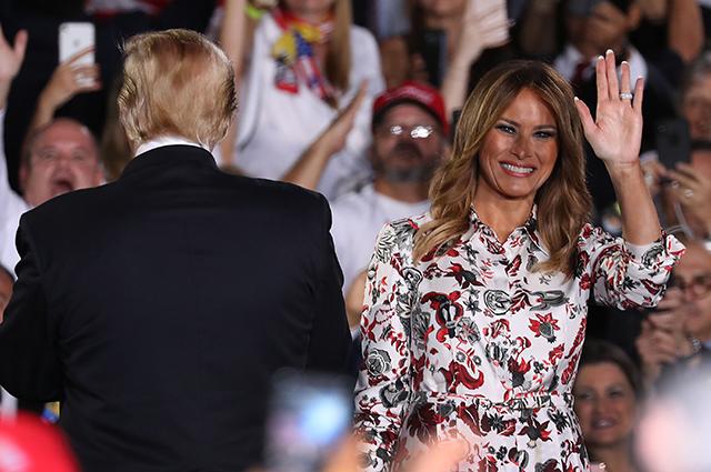 Дональд и Мелания Трамп выступили в Международном университете Флориды Новости