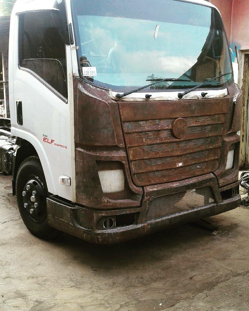 Маленькие грузовики Fuso Canter с внешностью от Scania и Actros MP4 - Индонезийский вид тюнинга грузовиков авто