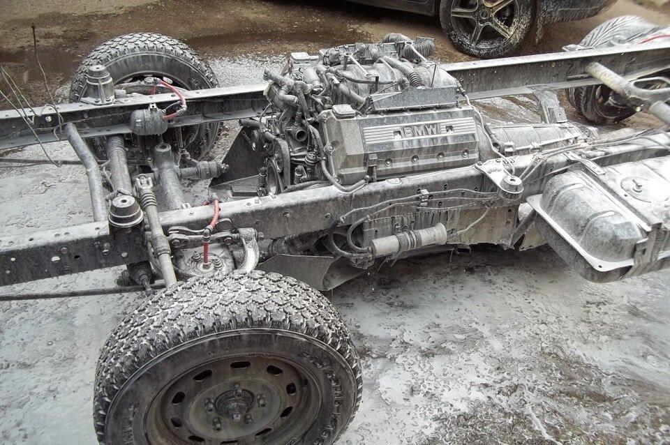 Мужик скрестил Газель Соболь с BMW, установив двигатель и всю начинку от BMW, получилась настоящая стелс-ракета авто