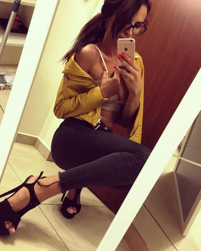 Красивые девушки из социальных сетей позитив