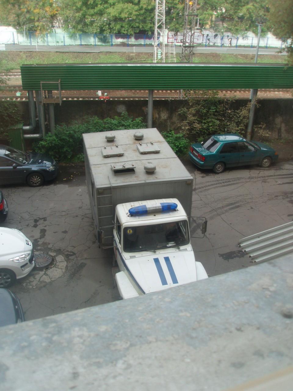 Тюремные университеты: прелести передвижения в автозаке