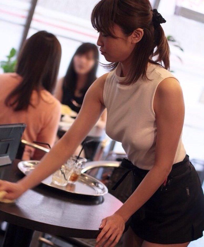 Этим официанткам нельзя не оставить на чай картинки