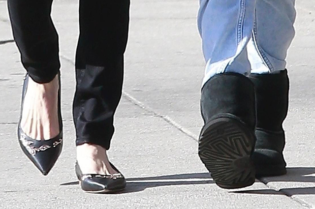 Хороший день: Анджелина Джоли с дочерью Вивьен на прогулке в Лос-Анджелесе Звездные дети