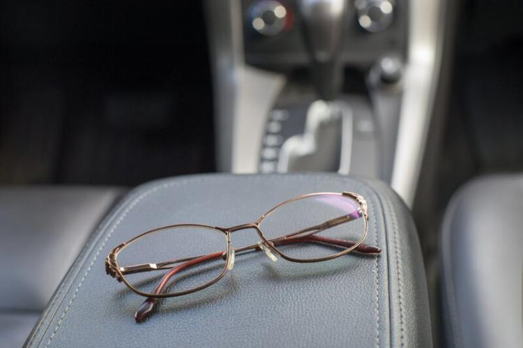 10 предметов, которые лучше не оставлять зимой в автомобиле