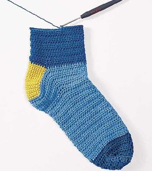 Еще один способ вязания носков крючком вязание