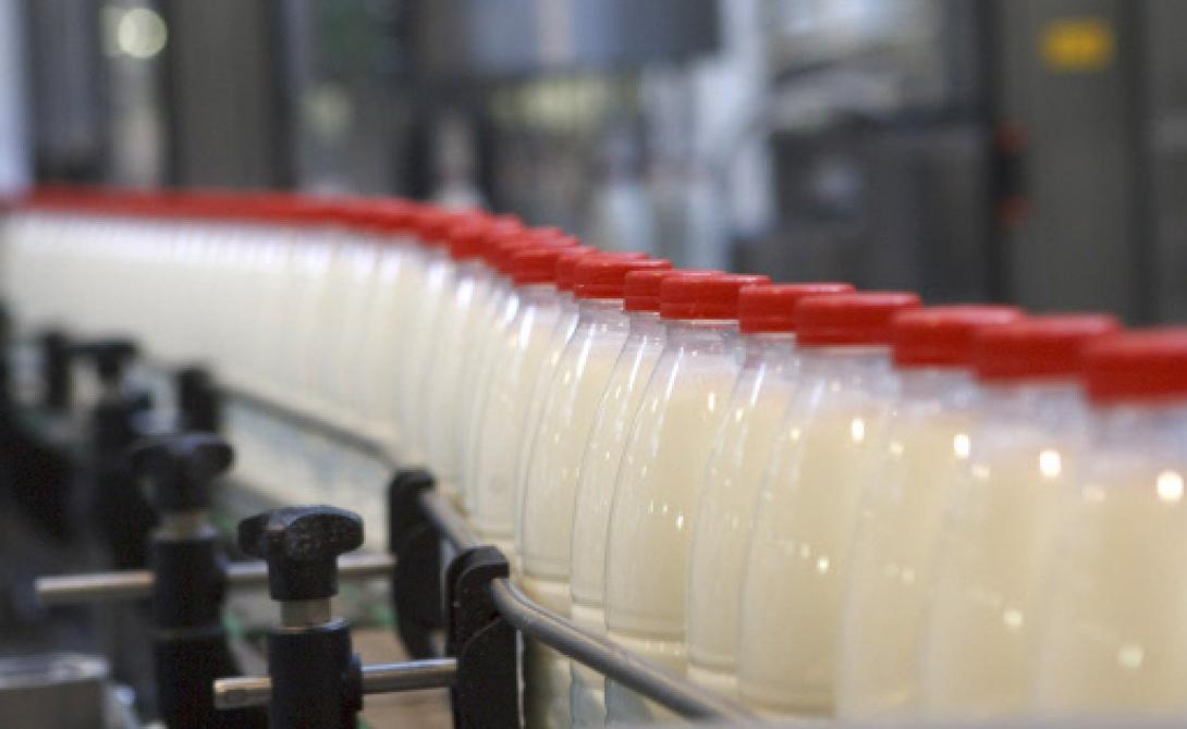 Самые страшные добавки, которые нашли в молоке деньги